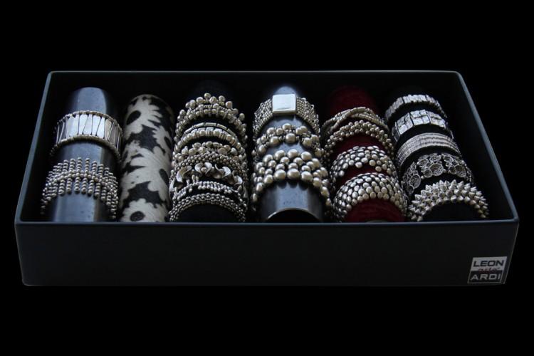 Sorted Tray TIZIANO, 25 bracelets & bangles